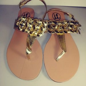 if carrini international fashion sandals